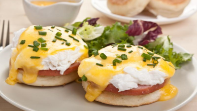 This is eggs benedict. n